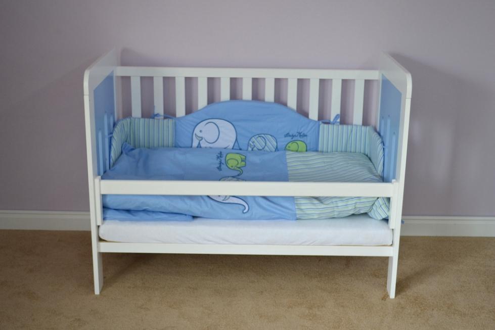 Barierka Zabezpieczająca łóżeczka Drewniana łóżeczka