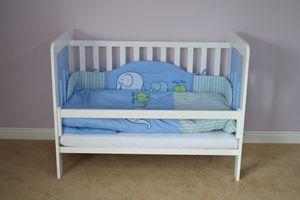 Barierka zabezpieczająca łóżeczka - drewniana